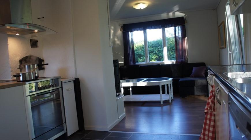 küche wohnzimmer offen:Die Küche und das Wohnzimmer liegen offen zueinander